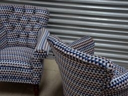 Buttoned Back Fixed Seat 01
